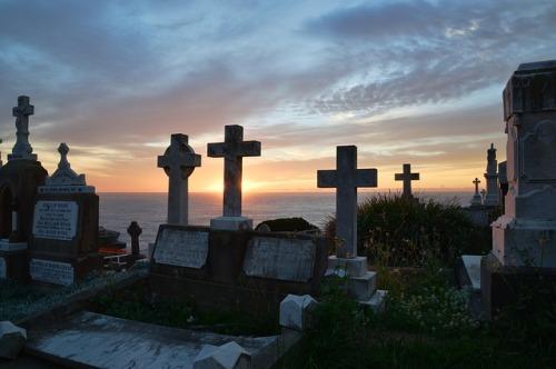 graveyard-263269_640